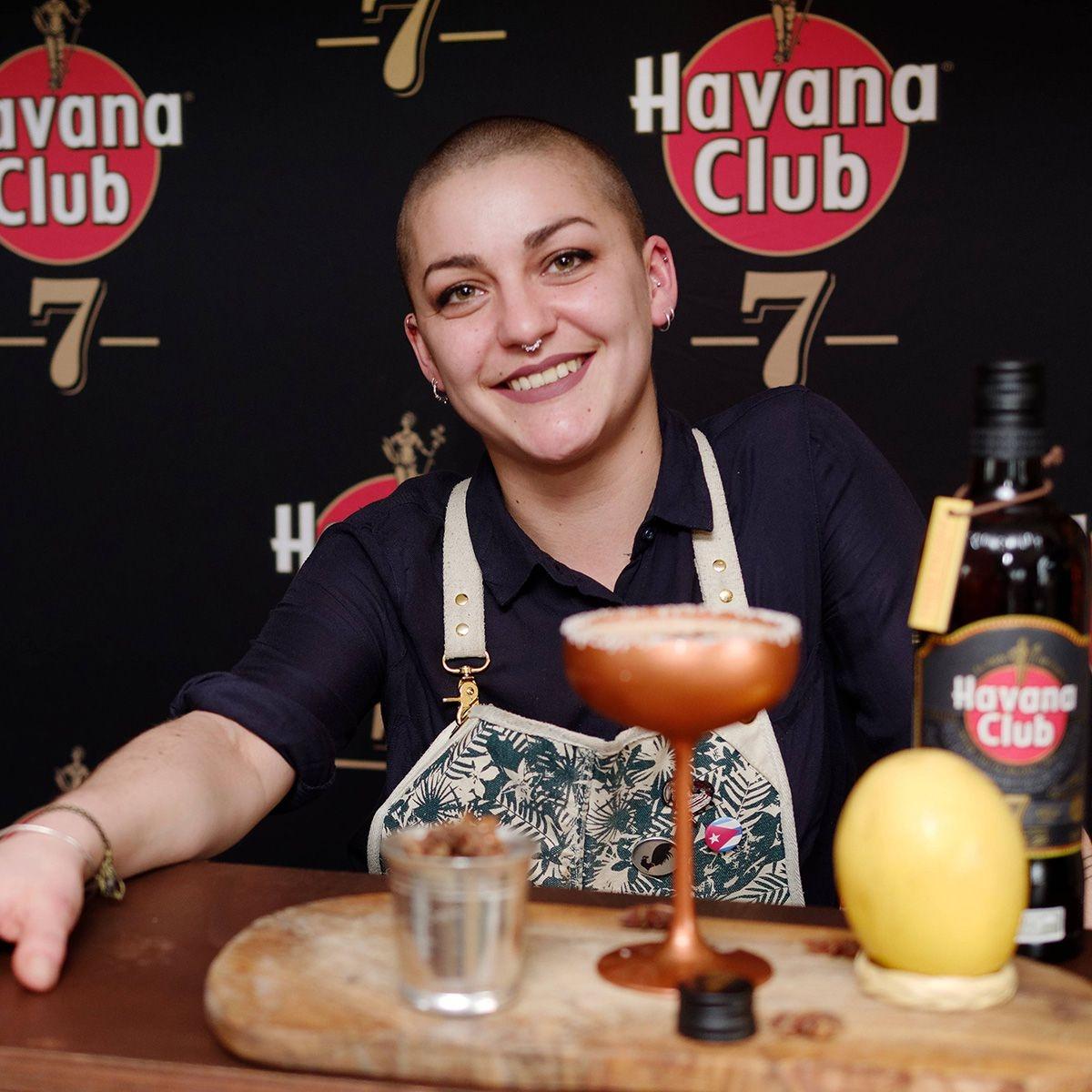 Conception de cocktails par Ninon Fauvarque (Championne du monde 2018)